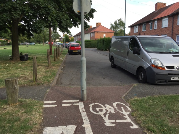 Benet's Grove. In theory a very useful facility, ensuring access all areas by bicycle. But in practice, can be blocked. So what to do? (7 August 2015)