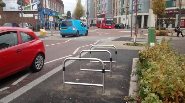 felnexandhackbridge_20161115_londonroad_hackbridge_cycleparking_2